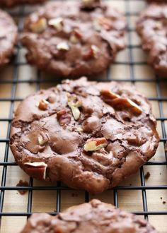 Flourless Chocolate Turtle Cookies are crisp and chocolatey with plenty of chewy caramel throughout each bite. The original Flourless Chocolate Brownie Cookies are awesome cookies that can be stirred together in just a few minutes. Flourless Chocolate Brownies, Chocolate Brownie Cookies, Chocolate Turtles, Chocolate Morsels, Cookie Desserts, Just Desserts, Cookie Recipes, Delicious Desserts, Dessert Recipes
