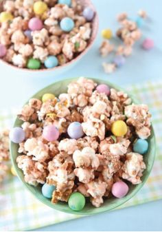 Salted Caramel Easter Popcorn -- This sweet and salty popcorn treat is ...