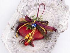 229004 Ρόδι γούρι πλακέ Christmas Crafts, Christmas Decorations, Xmas, Christmas Ornaments, Holiday Decor, Lucky Charm, Plant Hanger, Flower Arrangements, Diy And Crafts