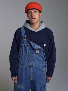 Plongée en plein cœur du Japon dans les dédales des rues de Tokyo, capturée par l'un des talents les plus en vogue de la mode et de la photographie contemporaine. Une série de clichés à découvrir en exclusivité sur Vogue Hommes.