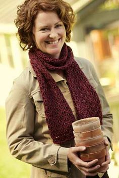 ENGLISH MESH LACE SCARF PATTERN at Patternworks.com. Do I want to start up knitting again?