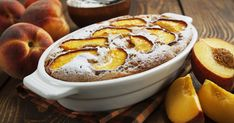 Az őszibarackos, kefires süti még a piskótánál is lágyabb, de kevésbé kényes.