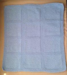 ¡Me encanta Bulky Cotton de Katia! Es ligero, suave, se teje con agujas de 5 a 5,5 mm con lo que cunde muchísimo, y, a pesar de ser... Baby Knitting Patterns, Knitting For Kids, Loom Knitting, Crochet Baby, Knit Crochet, Knitted Baby Blankets, Little Princess, Cushions, Crafts