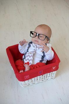 Newborn boy valentine's day photoshoot outfit