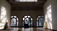 New York film locations from the movie When Harry Met Sally starring Meg Ryan and Billy Crystal. Apartment Cost, Men Apartment, Dream Apartment, York Apartment, Apartment Therapy, Harry And Sally, When Harry Met Sally, Carrie And Big, Best Romantic Comedies