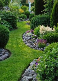 17 Best ideas about River Rock Landscaping on Pinterest | Pool landscaping, Stone landscaping and Landscaping borders by patty