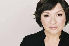 Muere #actriz Elizabeth Peña, madre del personaje de Sofía Vergara en 'Modern Family'  vía @Estrenosencine @Ederne_F