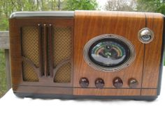 Ward's Airline Radio Model 317, gorgeous, plays!