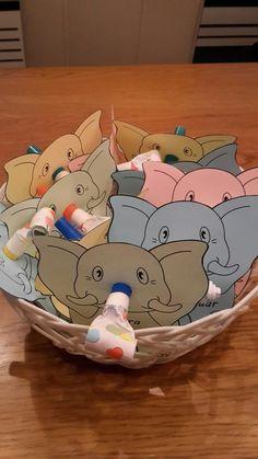 De olifant net zijn grote vanuit, blaast nu dit avontuur uit. Ik ga naar de basi... - #avontuur #basi #blaast #De #dit #ga #grote #Ik #naar #net #nu #olifant #uit #vanuit #zijn Craft Activities For Kids, Activity Games, Preschool Crafts, School Birthday Treats, Boy Birthday, Diy For Kids, Gifts For Kids, Eid Boxes, Eid Crafts