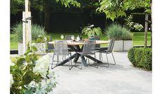 Tuinset Madre 220 cm | Elos Barstoel    Deze prachtige tuinset van Suns tuinmeubelen is nieuw, modern en geschikt om het hele jaar buiten te laten staan. De hoogwaardige materialen als teakhout, aluminium, polyester touw en staal geven deze tuinset een natuurlijke look. De tuinset bestaat uit een SUNS tuintafel Madre van 220x130 cm en 6 keer een SUNS tuinstoel Elos in de shades of grey kleur