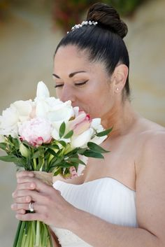 Tulips, calla lilies and roses in pale pinks and greens for a stunning bridal bouquet Pale Pink, Pink And Green, Carmel Beach, Calla Lilies, Tulips, Wedding Flowers, Bouquet, Roses, Lily