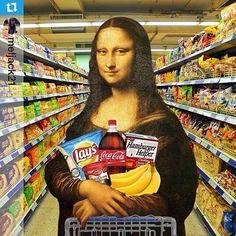 Mona Lisa grocery shopping