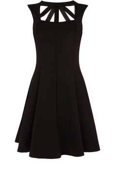 Roxy Cut Out Dress / oasis (Lucka's little black dress? Cute Dresses, Short Dresses, Cute Outfits, Dress Skirt, Dress Up, Oasis Dress, Fashion Outfits, Womens Fashion, Dress To Impress