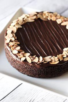 gluten free vegan one bowl chocolate cake2