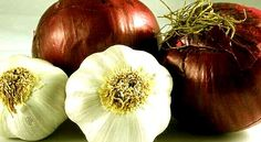 """Top 9 Benefits of #Onions and #Garlic:  1.Naturally antibacterial, anti-viral, anti-fungal, and anti-inflammatory 2.Shown to lower LDL (bad) cholesterol and raise HDL (good) cholesterol levels 3.Stimulates production of """"natural killer"""" cells that improves overall immunity 4.Aids in detoxification of the blood 5.Helps prevent hardening of the arteries (atherosclerosis) 6.Lowers blood pressure (hypertension) 7.Improves blood flow and reduces the risk of clots t"""