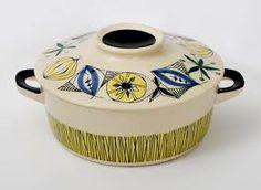 Inger Waage Waages håndmalte produkter fra 1950-tallet vant stor popularitet, særlig i utlandet. Det meste av hennes produksjon ble eksportert. Waage hadde en meget stor produksjon, og hennes produkter regnes i dag som de kanskje mest kreative og særpregede som ble lagd i Europa på 1950- og 1960-tallet. I antikvitets- og samlerkretser, regnes hun med i gruppen av tidens fremste designere fra denne perioden. Stavanger, Pottery, Ceramics, Scale, Creative, Ceramica, Ceramica, Pottery Marks, Ceramic Art