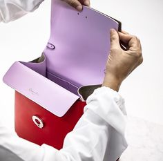 b1d82f24eee2 Dior Intimate savoir-faire behind the making of the 'Be Dior' bag.