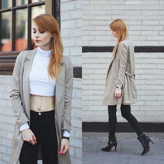 Katarzyna Konderak - Coat - Beige coat.
