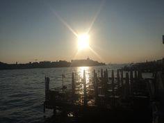 #raggi #sole #sun #rays #tramonto #sunset #niceview #sunsetlovers #sunsetporn #venezia #venice #Italy #Italia #meravigliosa #beautiful #walkvenice #veneziaunica #instavenice #veneziagram #venezianity #veneziacityofficial #ig_veneto #igersveneto #igersvenezia #visitveneto #volgovenezia #volgoitalia #italianlanscapes #nofilter #nofilterneeded by giorgia_picchini