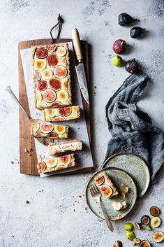 Ginger Fig Tart with Chestnut-Almond Crust {vegan & gluten-free} With luscious vanilla ginger cashew cream this is a glorious fall dessert. Vegan Dessert Recipes, Tart Recipes, Vegan Sweets, Sweet Recipes, Mini Desserts, Holiday Desserts, Homemade Desserts, Holiday Foods, Plated Desserts