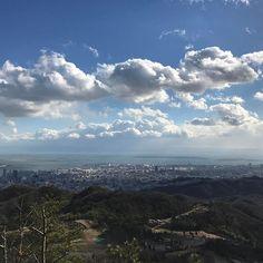 【oldriveryouits】さんのInstagramをピンしています。 《Kobe city water supply- Karasuwara reservoir #kobe#mountains #kikusui #hiking #sun#sky #sea #sunset #evening #instadaily #instaday #instapic #こうべみなとアンバサダー #神戸 #菊水山 #ハイキング #空 #海 #太陽 #日没 #夕暮れ#浮雲#ufo#floating#未確認飛行物体#二葉亭四迷#lake#water-resorver#烏原貯水池#紅葉》