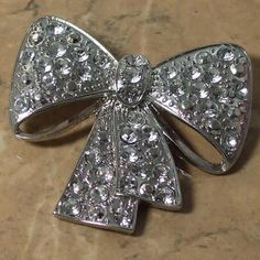Clear diamante bow brooch large | vintage wedding brooches | Jewels & Finery UK