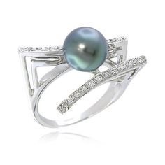 I really love pearls.  Sometimes in rings they look cheap though. But I really love this one...