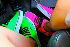 Cute Shoes for Teen Girls | Shoes: vans, neon, pink, green, original, swag, street, girl, girly ... Neon Vans, Pink Vans, Neon Shoes, Black Vans, Vans Shoes, Neon Colors, Bright Colors, Swag Shoes, Nike Outfits