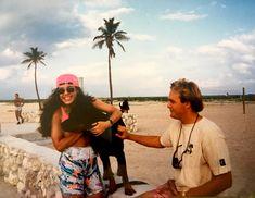 #tbt patinando en #SoBe #1987 y mi parada obligada: abrazar a este perro hermoso! Negro, como me gustan! 🖤🐾🐶 #AmoresPerros #Miami
