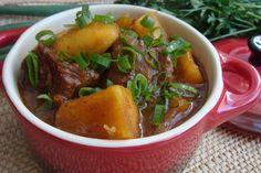 Costela de boi com mandioca (vaca atolada) veja a receita completa: http://www.receitadevovo.com.br/receitas/costela-de-boi-com-mandioca