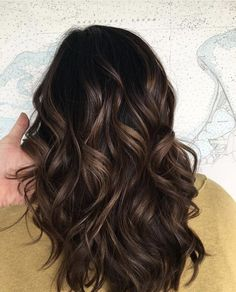 Hair Styles Ideas : The subtle balayage brunette Hairstyles for fall and winter! Hope they can inspi… Balayage – hair ideas Subtle Balayage Brunette, Brown Hair Balayage, Hair Highlights, Ombre Hair, Balayage Color, Balyage For Black Hair, Fall Balayage, Subtle Ombre, New Hair