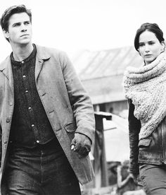 Gale and Katniss on the new still of Catching Fire going to have a chat pre-kiss