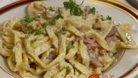 Minute Pasta with Sour Cream: We would eat that sauce even at midnight, . - Minute Pasta with Sour Cream: We would eat that sauce even at midnight, no other pasta will be aske - Potato Recipes Crockpot, Bacon Pasta Recipes, Pasta Dinner Recipes, Healthy Recipes, Sour Cream Pasta, Healthy Tilapia, Clean Eating Chicken, Giada De Laurentiis, Sausage Pasta