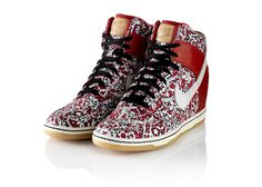 NIKE, Inc. - Nike Sportswear x Liberty Collection. Zapatillas con taco escondido