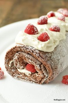 Chocolate Raspberry Angel Food Cake Roll is the perfect looks fancy.yet super easy dessert. Sprinkle it with powdered sugar for a festive look. Chocolate Angel Food Cake, Chocolate Raspberry Cake, German Chocolate, Chocolate Cake Roll, Diabetic Desserts, Fancy Desserts, Cake Roll Recipes, Dessert Recipes, Cheesecake Recipes
