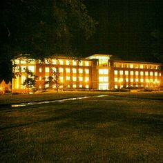 From @inarticulate_poet - gorgeous shot of the Oregon State University campus at night. Beautiful!