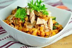 Celozrnné cestoviny so zeleninou a parmezánom | fitrecepty.sk Tofu, Thai Red Curry, Food And Drink, Low Carb, Vegan, Chicken, Ethnic Recipes, Fit, Diabetes
