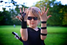 Life Sprinkled With Glitter: The Avengers Homemade Hawkeye Costume: Part 2 Armguard and Finger Glove
