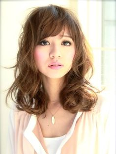 medium length hair style with fringe - the question is would mine lay like this without too much work.