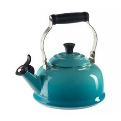 2483ac8a5 Chaleira com Apito Tradicional Azul Caribe Le Creuset - Comprar no ShopFácil  - uma empresa Bradesco