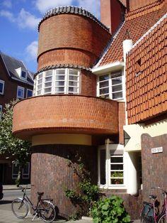 amsterdamse school, dit is in de Spaarndammerbuurt