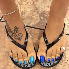 11 Unique Anklet Ideas With Meaning – Love Your Ankle Pretty Toe Nails, Cute Toe Nails, Pretty Toes, Sexy Legs And Heels, Sexy High Heels, High Heels Stilettos, Sexy Sandals, Bare Foot Sandals, Long Toenails