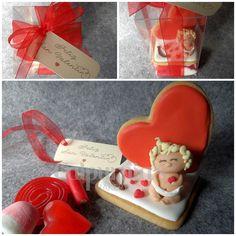 Caja de gominolas, galletas decoradas y querubín en fondant para San Valentín