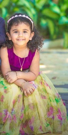 Girls Frock Design, Baby Dress Design, Baby Girl Dress Patterns, Kids Dress Wear, Kids Gown, Baby Frocks Designs, Kids Frocks Design, Stylish Dresses For Girls, Frocks For Girls
