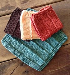 This project uses both knit and purl stitches and is a great beginner project. The dk weight cotton is soft and absorbant. They are quick to knit. Make three, tie them together with a slice of homemade soap and you have a lovely gift. Knitted Washcloth Patterns, Knitted Washcloths, Dishcloth Knitting Patterns, Crochet Dishcloths, Knit Or Crochet, Crochet Patterns, Easy Knitting, Loom Knitting, Knitting Stitches