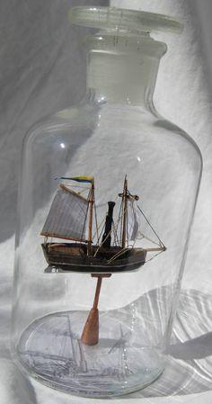 """Redan 1816 presenterade ingenjören Samuel Owens sin första propellerdrivna experimentångbåt """"The Witch of Stockholm"""" men det skulle dröja många år innan propellern var färdigutvecklad och allmänt använd för fartygsdrift."""