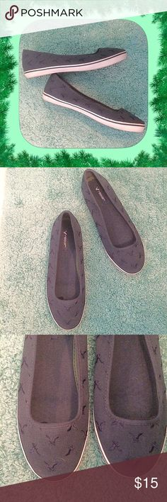 American Eagle Outfitters/ Size 8.5 / Navy Canvas American Eagle Outfitters/ Size 8.5 / Navy Blue Canvas.  Please feel free to make an offer - Enjoy BIG discounts on bundles & save $$$ on shipping! I package safely & ship fast. TY 💜💜💜 S1 American Eagle Outfitters Shoes Flats & Loafers