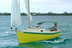 If you love to work with your hands, have basic carpentry skills and love the water, you should consider building your own boat. Building your own boat can save you lots of money. Wooden Sailboat, Wooden Boats, Sailboat Plans, Speed Boats, Power Boats, Boat Drawing, Small Sailboats, Build Your Own Boat, Boat Kits
