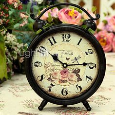 relógio de mesa antigo inspirado na característica vintage