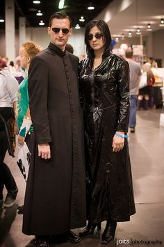 Matrix cosplay.  This would be fun to do with Dale for this year's comic con. #cosplayclass